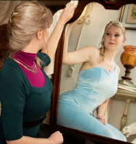 "Elsa: ""It looks like I'm the Queen"" - From the Disney Royals Collection by Minions' Photography @ minionsphotography.com"
